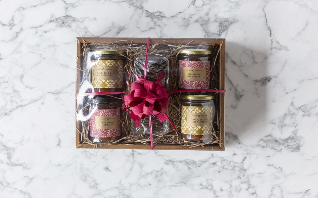 shrink wrapped gift hamper. read our blog on 6 steps to shrink wrapping your perfect gift tray